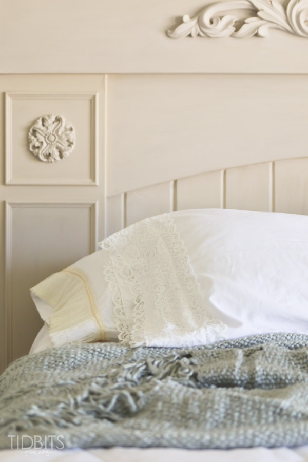 lace trimmed pillowcases