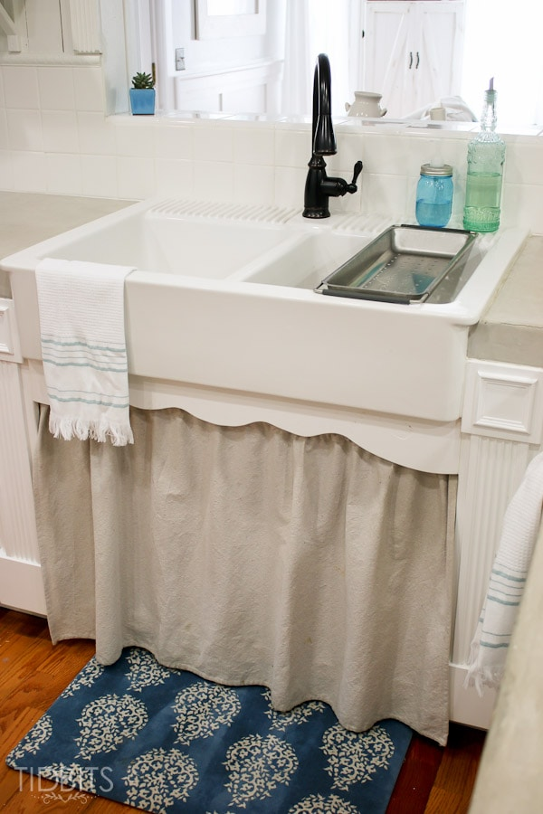 Farmhouse sink and skirt
