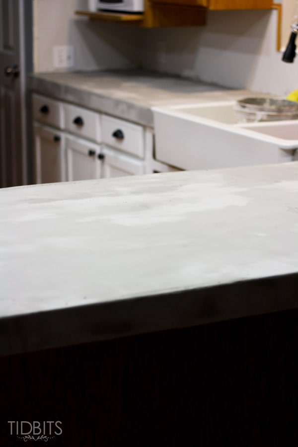feather-finish-faux-concrete-countertops-11