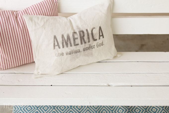 Patriotic Pillow and FREE Printables