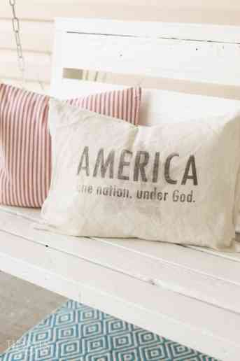 Patriotic Pillow and FREE Patriotic Printables