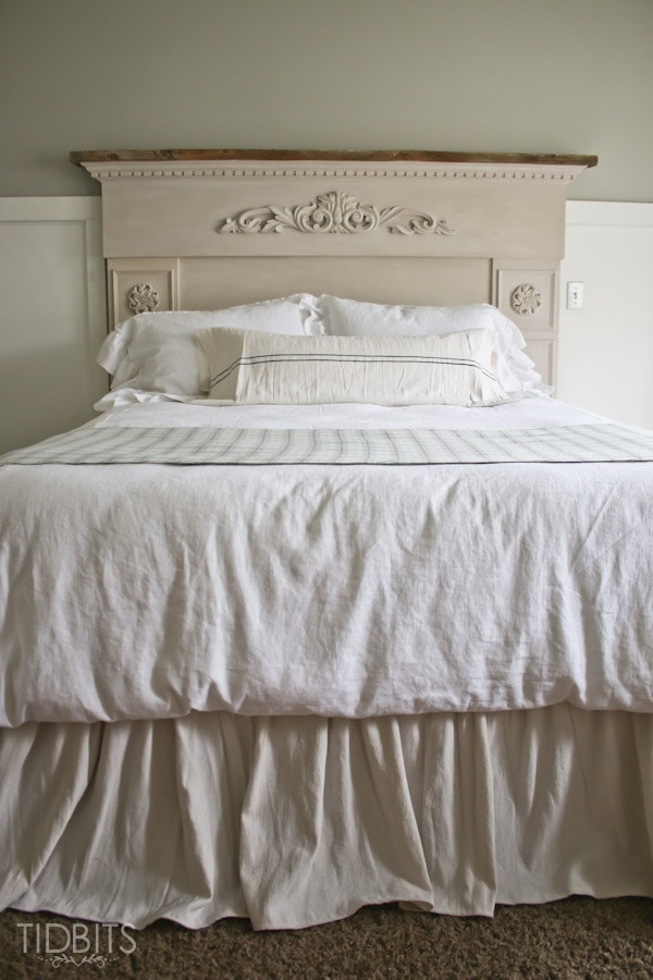 How to make a reversible duvet cover to add a contrasting or coordinating look to your bedding. Step by step tutorial provided by TIDBITS.