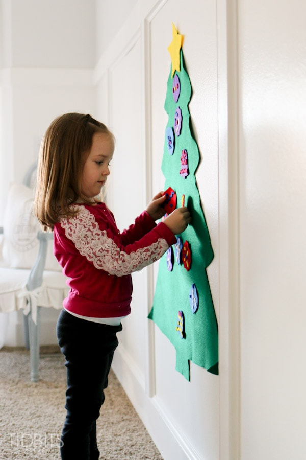 Felt Christmas tree craft for kids - a pre-made activity box delivered to your doorstep, provided by the Kiwi Crate.