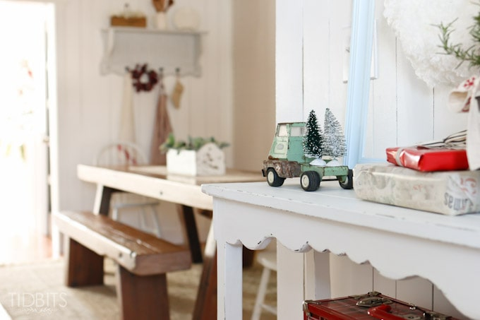 A Cottage Christmas Home Tour - Inspiration for your dining room space.