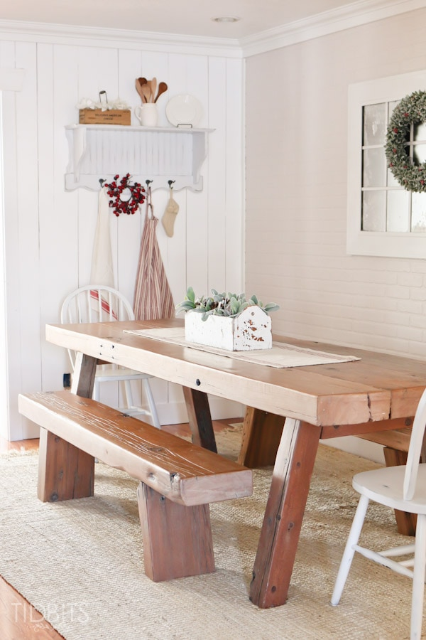 Cottage Christmas Dining Room-4