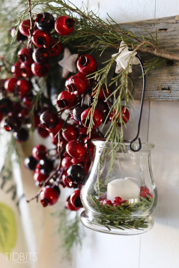 Cottage Christmas Entry Way-7