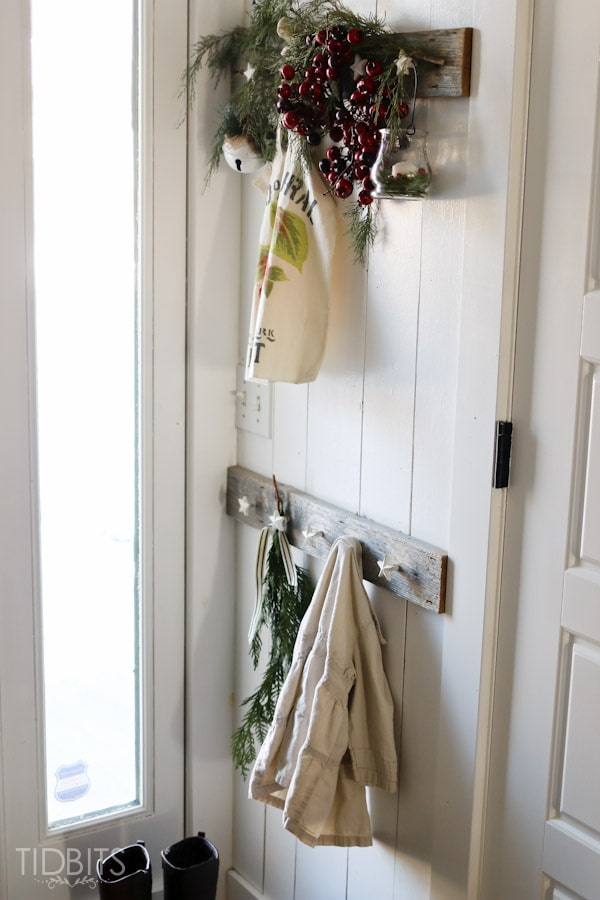 Cottage Christmas Entry Way-9