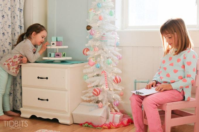Cottage Christmas Girls Room-17