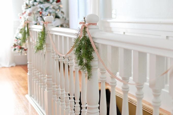 Cottage Christmas Living Room-1
