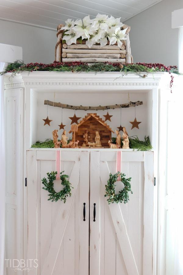 Cottage Christmas Living Room-15