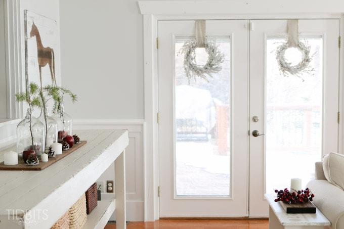 Cottage Christmas Living Room-5