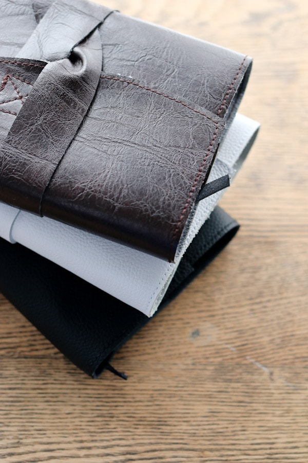 DIY Leather Journal Cover. An easy project with minimal sewing. Perfect as a gift for your man or yourself.