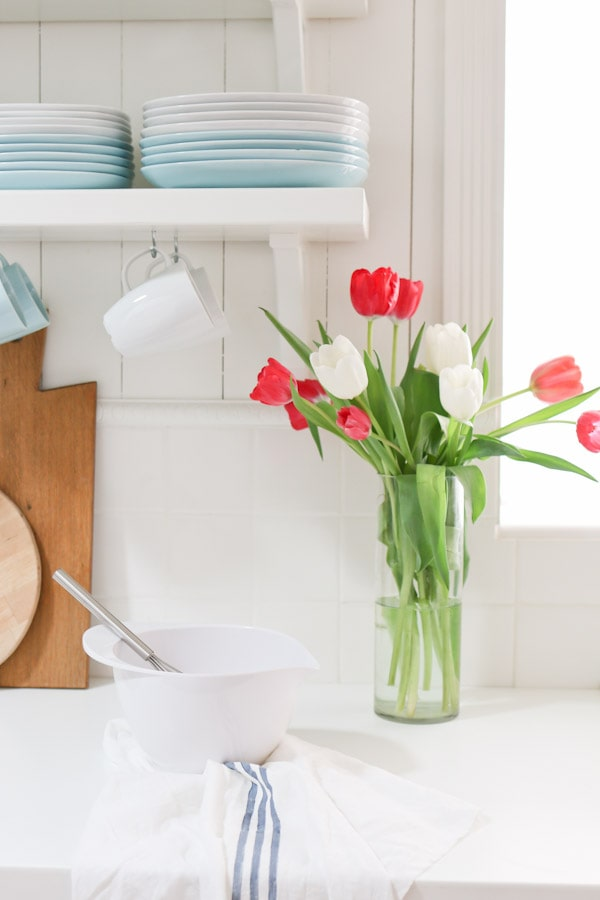 7 Ways to make the most of your floral arrangements. Bring fresh flowers into your home and learn how to make the most impact with little investment.