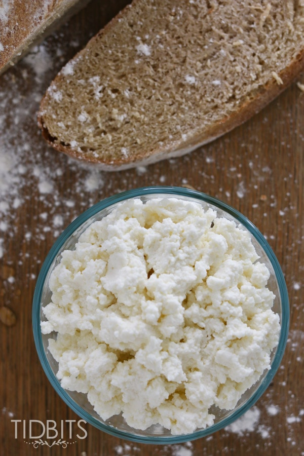 Quick, easy and super delicious homemade ricotta cheese. Only 3 ingredients!!