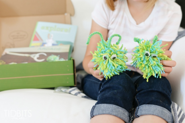 Adventures of the Kiwi Crate! Such a fun and interactive subscription box for kids.
