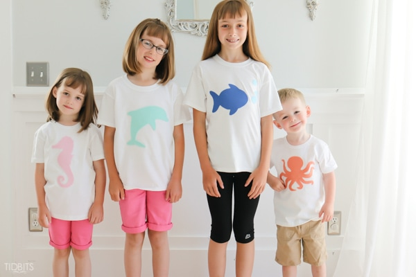 Easy, No Sew Applique T-Shirts. A fun quick project for a fun family outing.