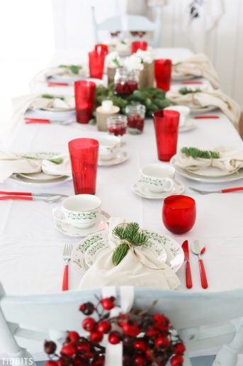 Classic Red and Green Christmas Tablescape