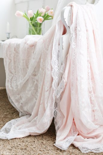DIY Valentines Lace Throw Blanket