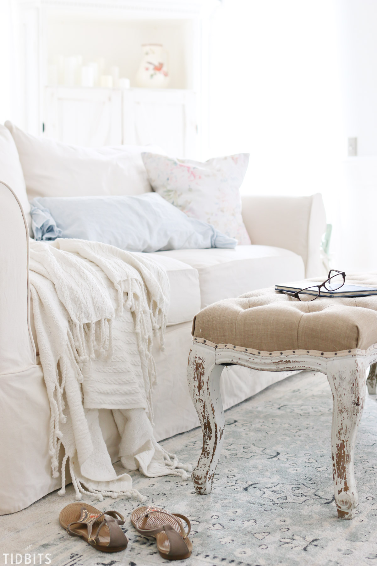 Spring Living Room Home Tour and our new vintage blue rug, by TIDBITS.