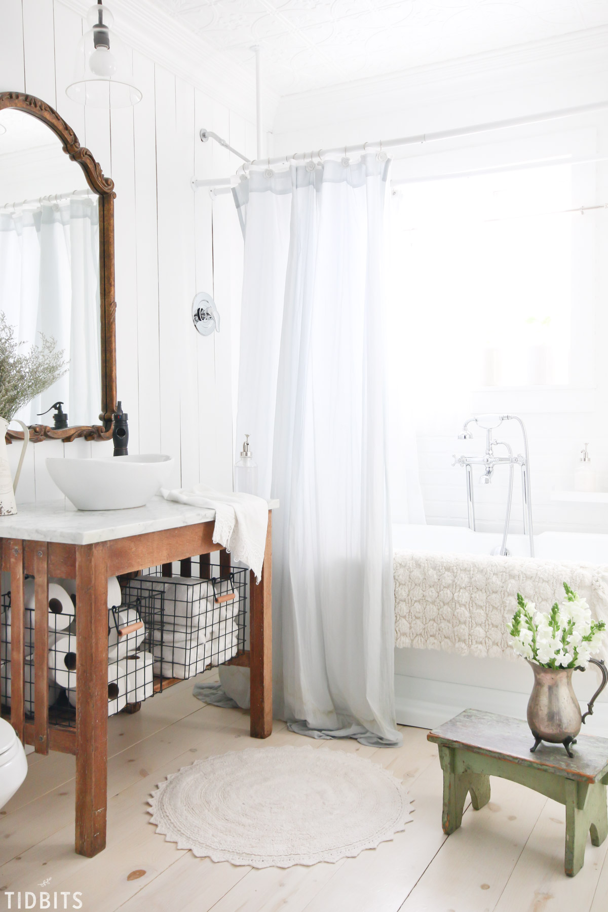 Cottage Farmhouse Spring Bathroom Refresh