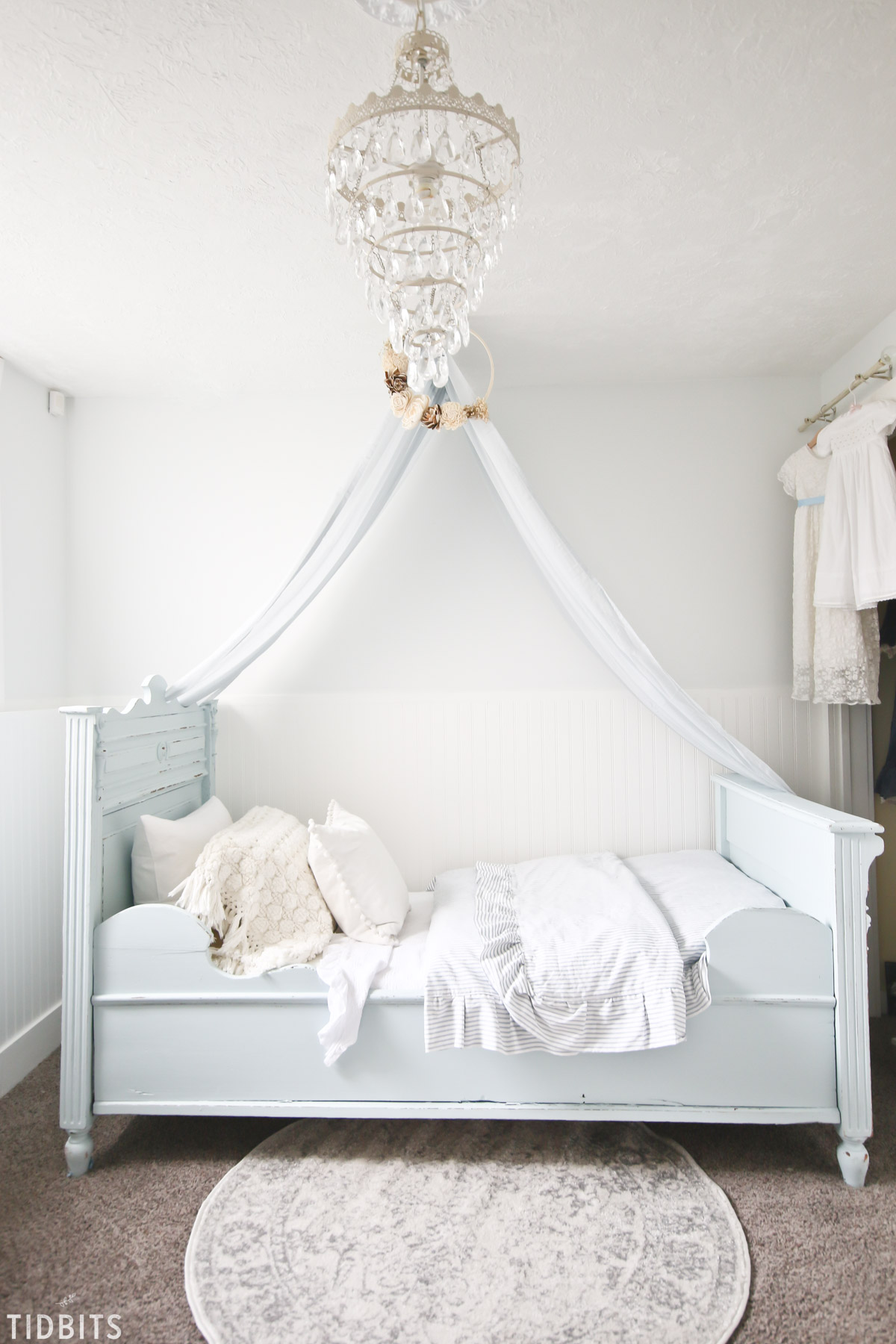 Blue and White Girls Bedroom Makeover - Tidbits