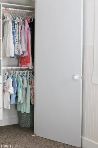 Kids closet organization with tintable chalkboard closet doors