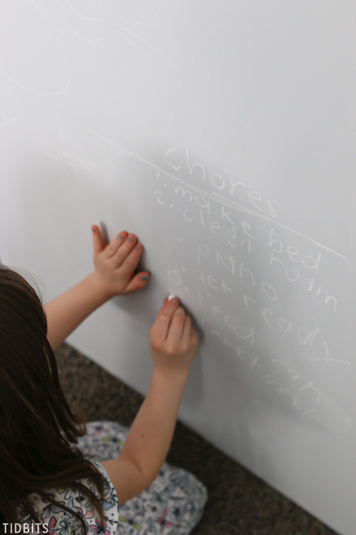 Kids closet organization with tintable chalkboard closet doors