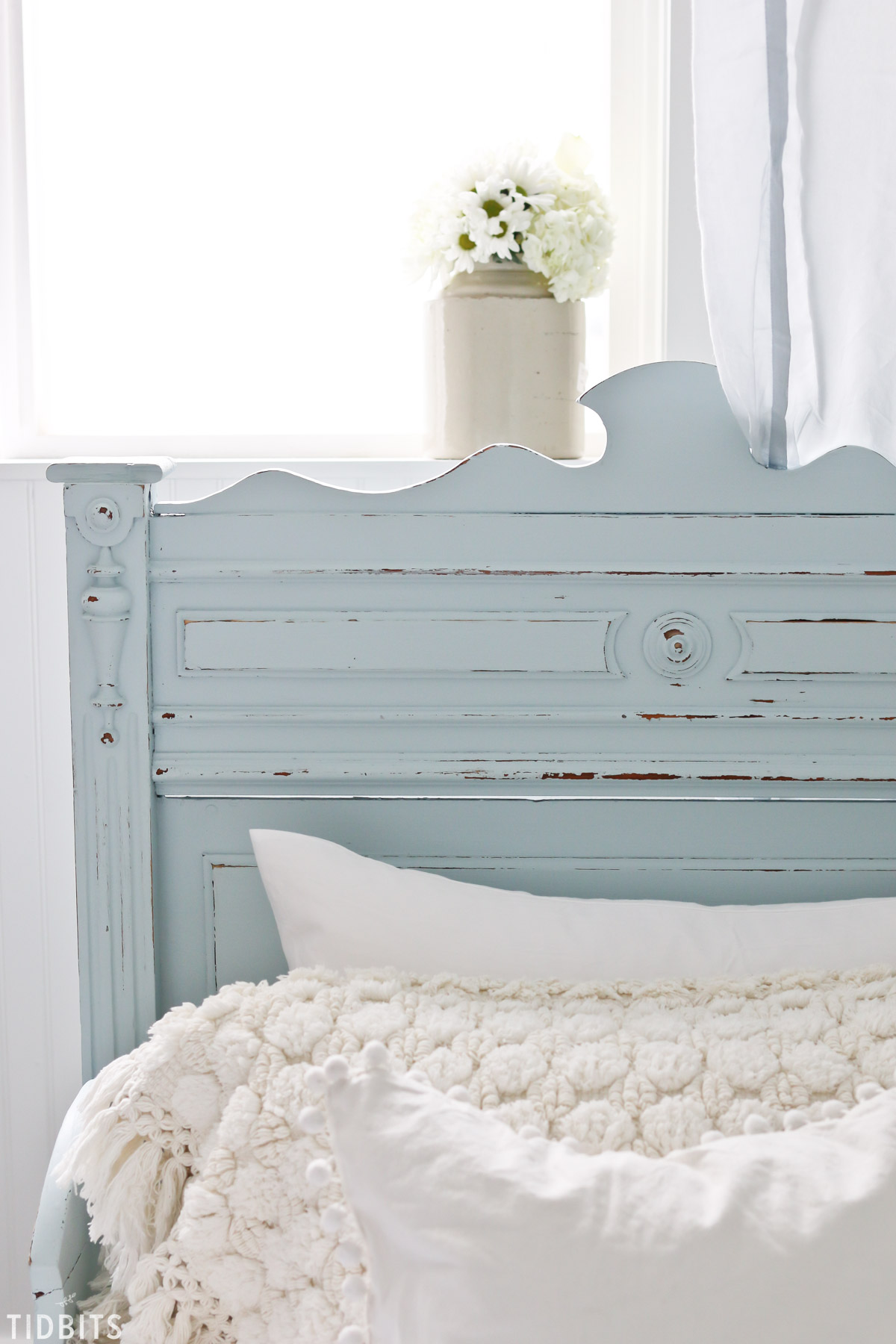 Painted Antique German Sleigh Bed