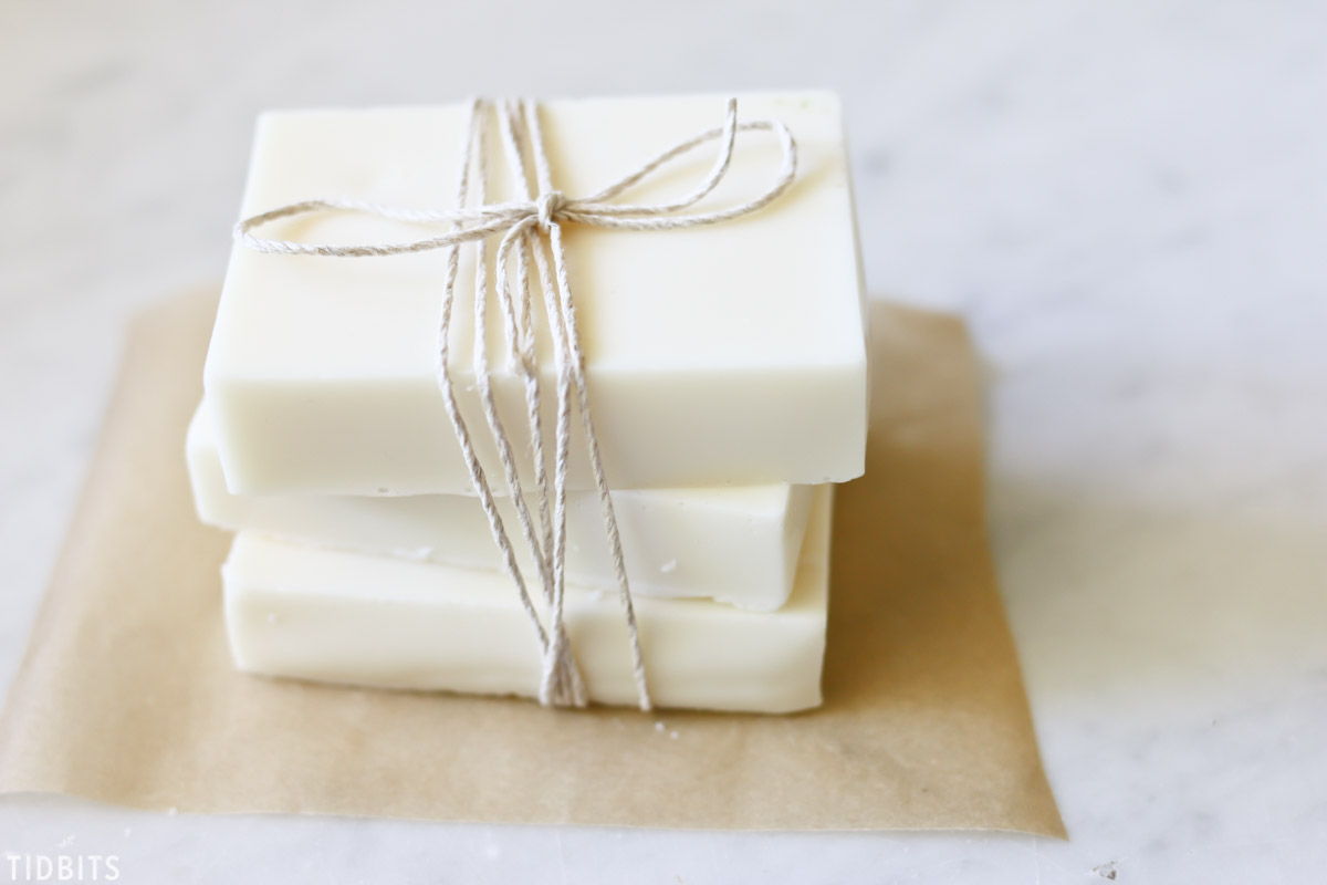 DIY Goat Milk and Honey Soap, natural and homemade.