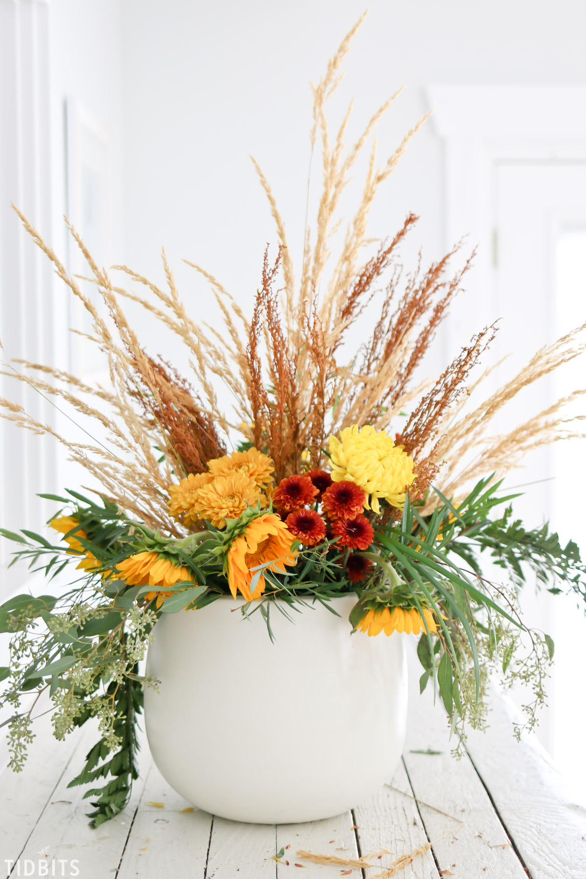 how to layer a fall floral arrangement