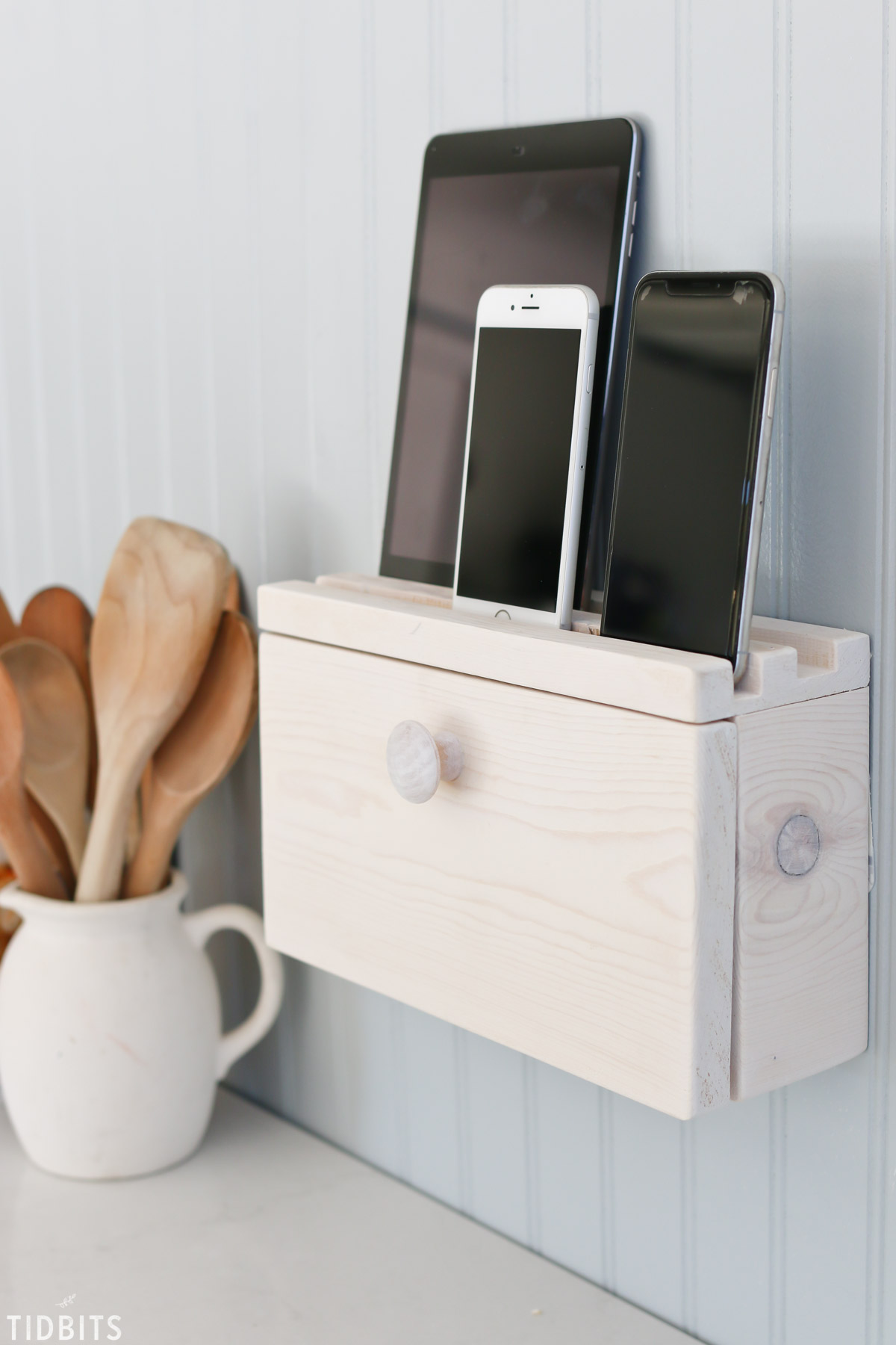 cell phone and device charging station
