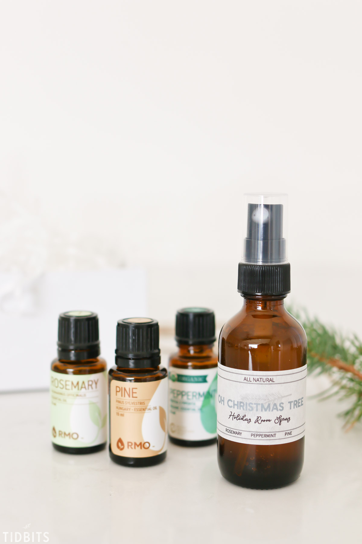 oils needed for oh christmas tree room spray