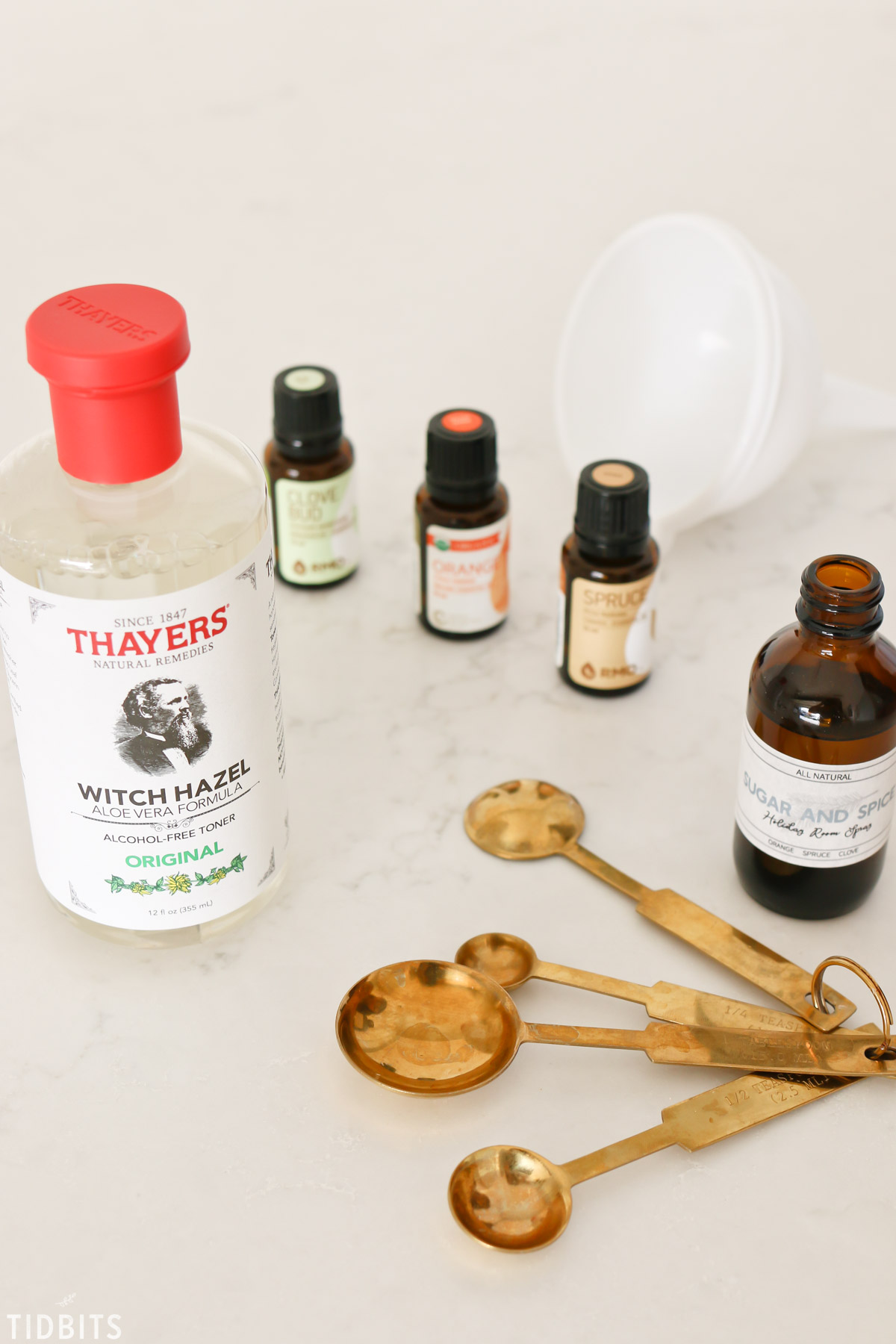 ingredients to make holiday room spray