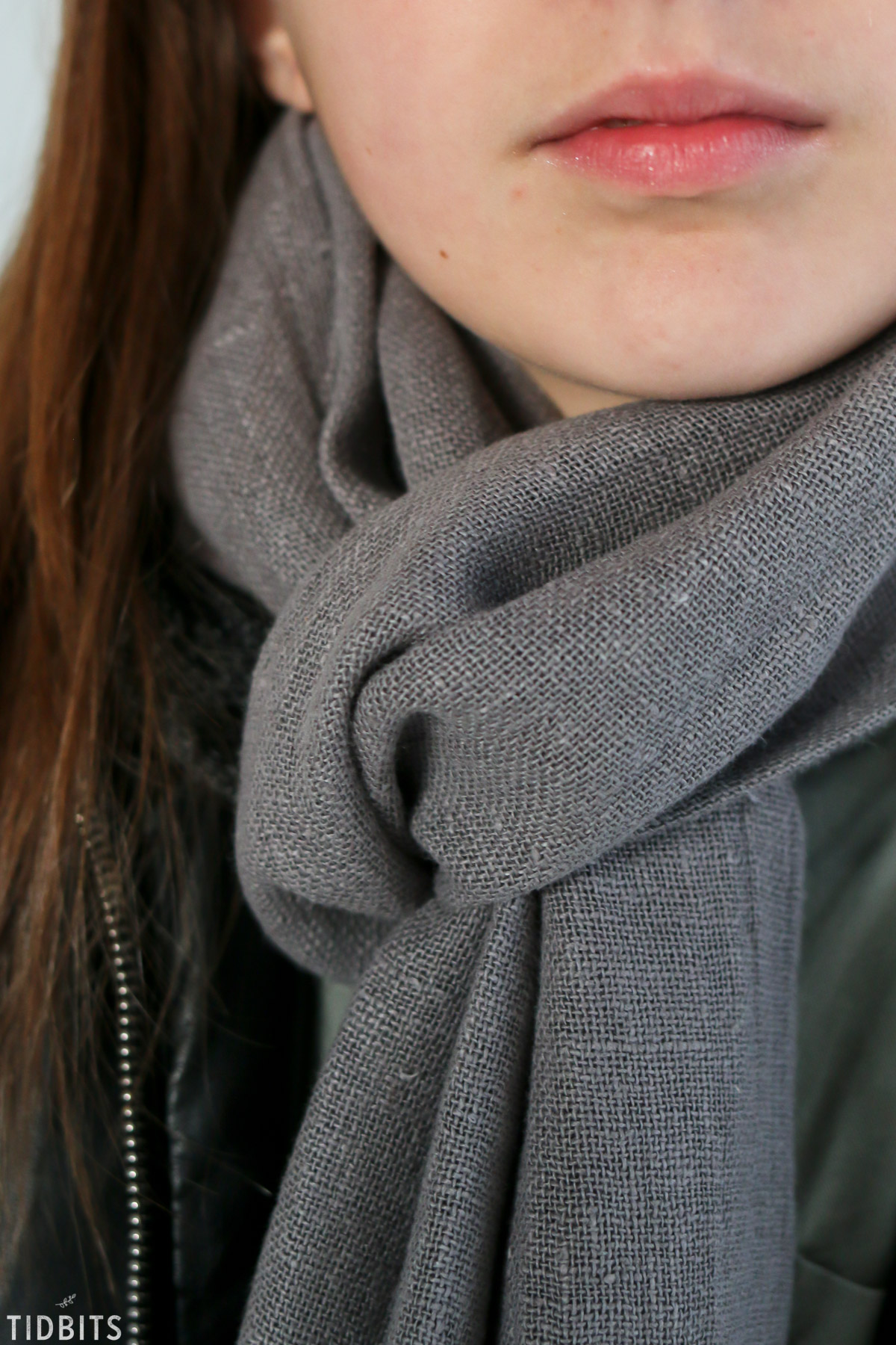gray pure line scarf