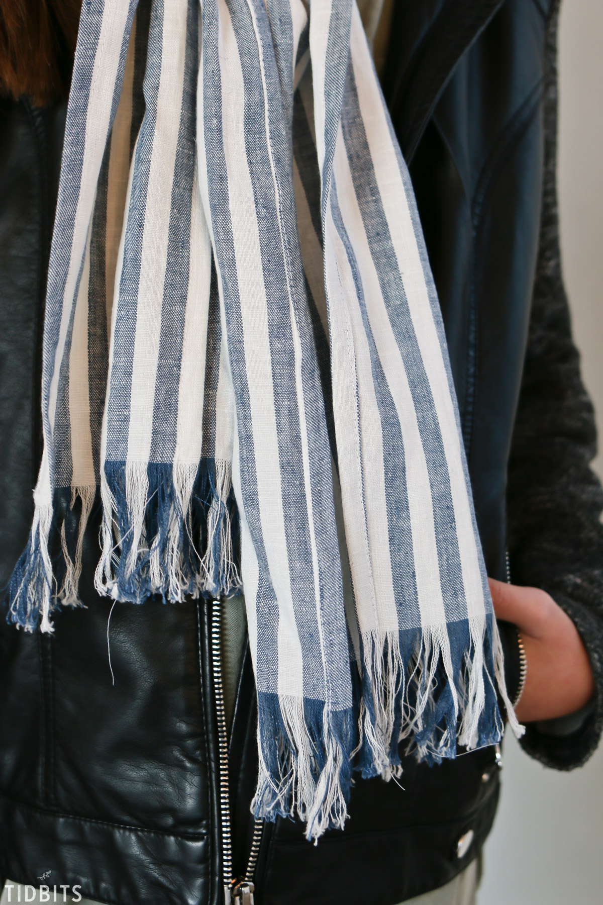 blue and white pure linen scarf