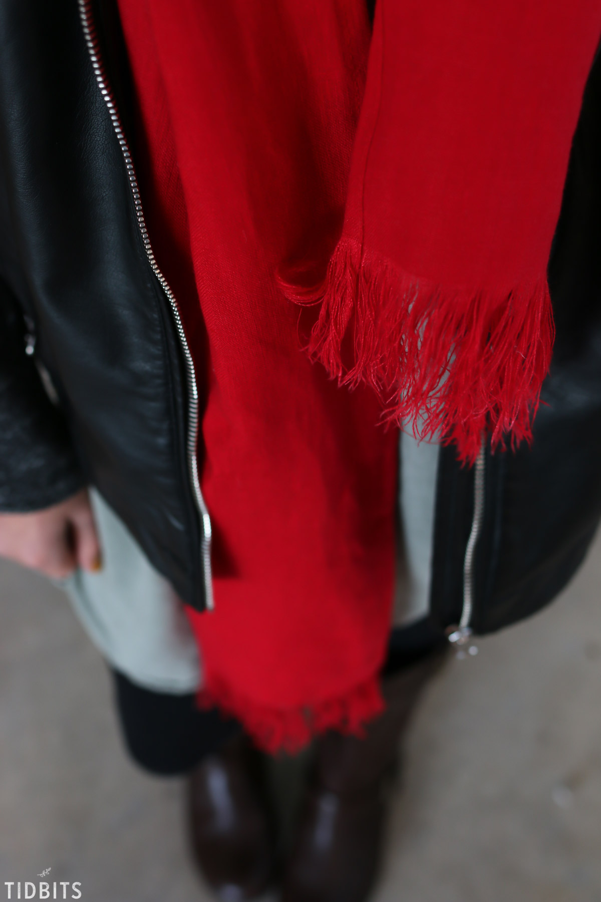 red pure linen scarf