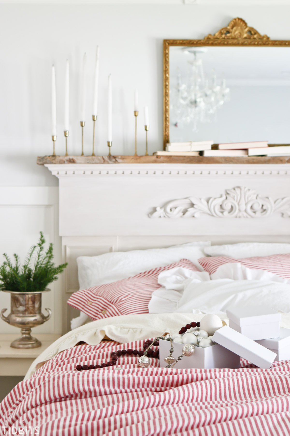 Classic red and green farmhouse Christmas bedroom tour.