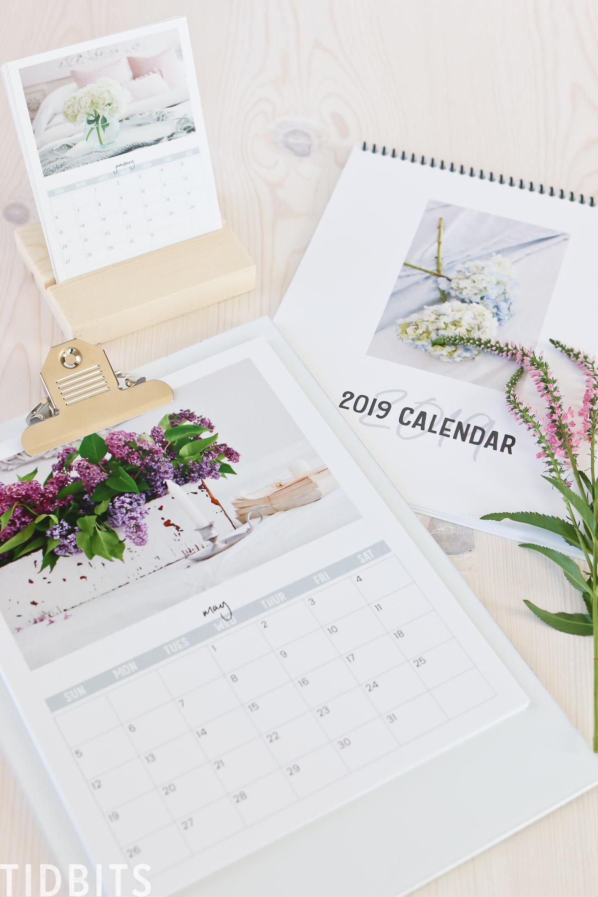 TIDBITS floral calendar free printable