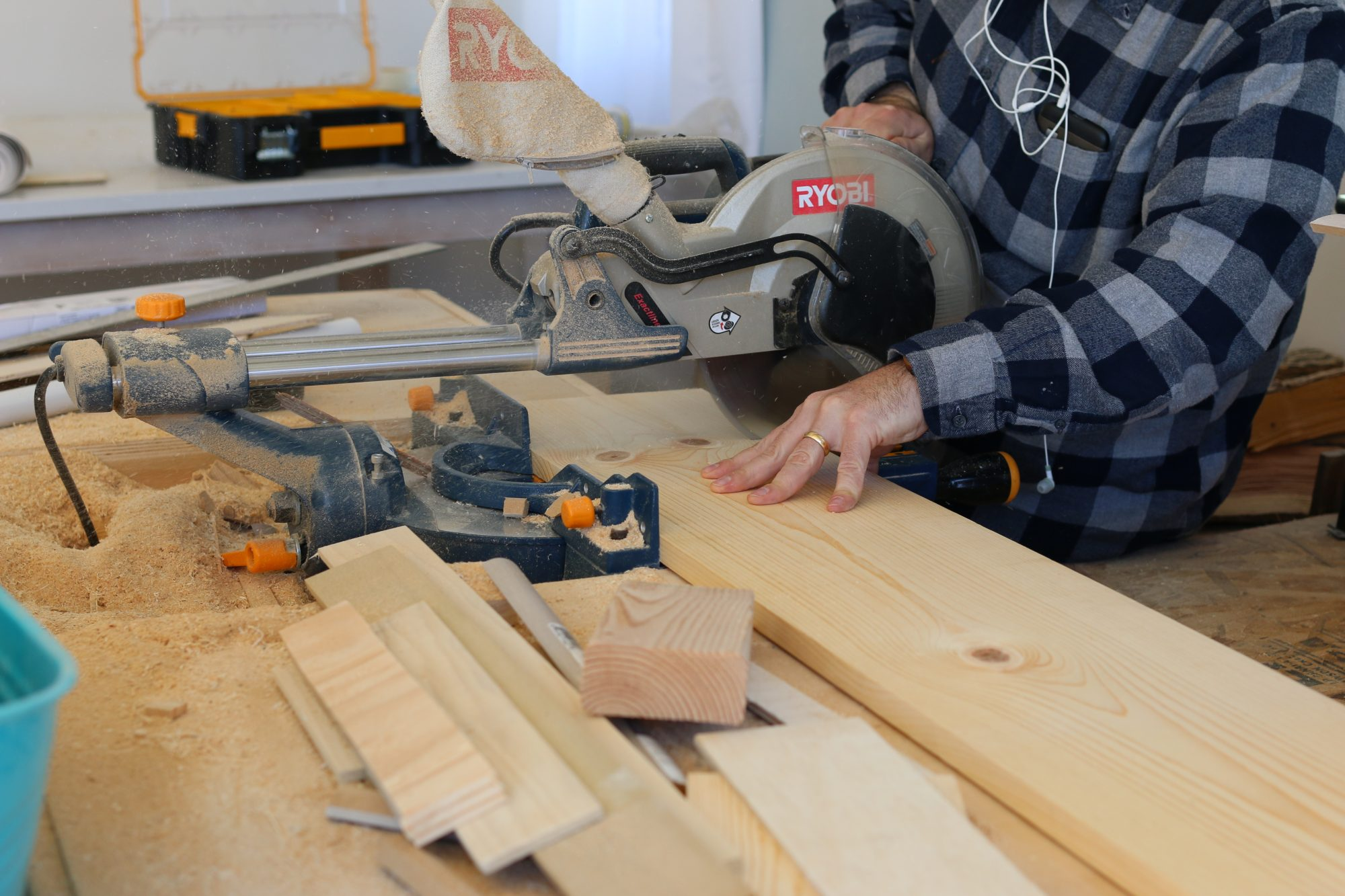 building DIY cabinet shelf risers