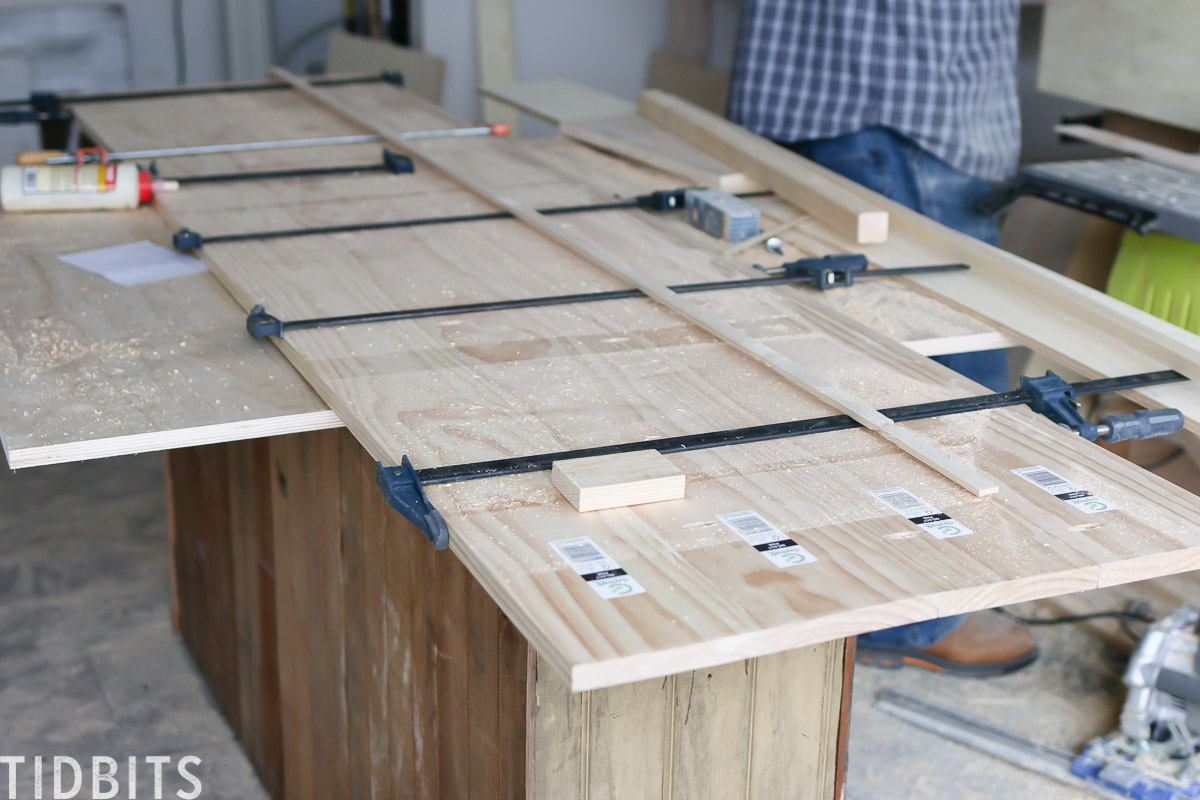 Building RV kitchen countertops from pine wood