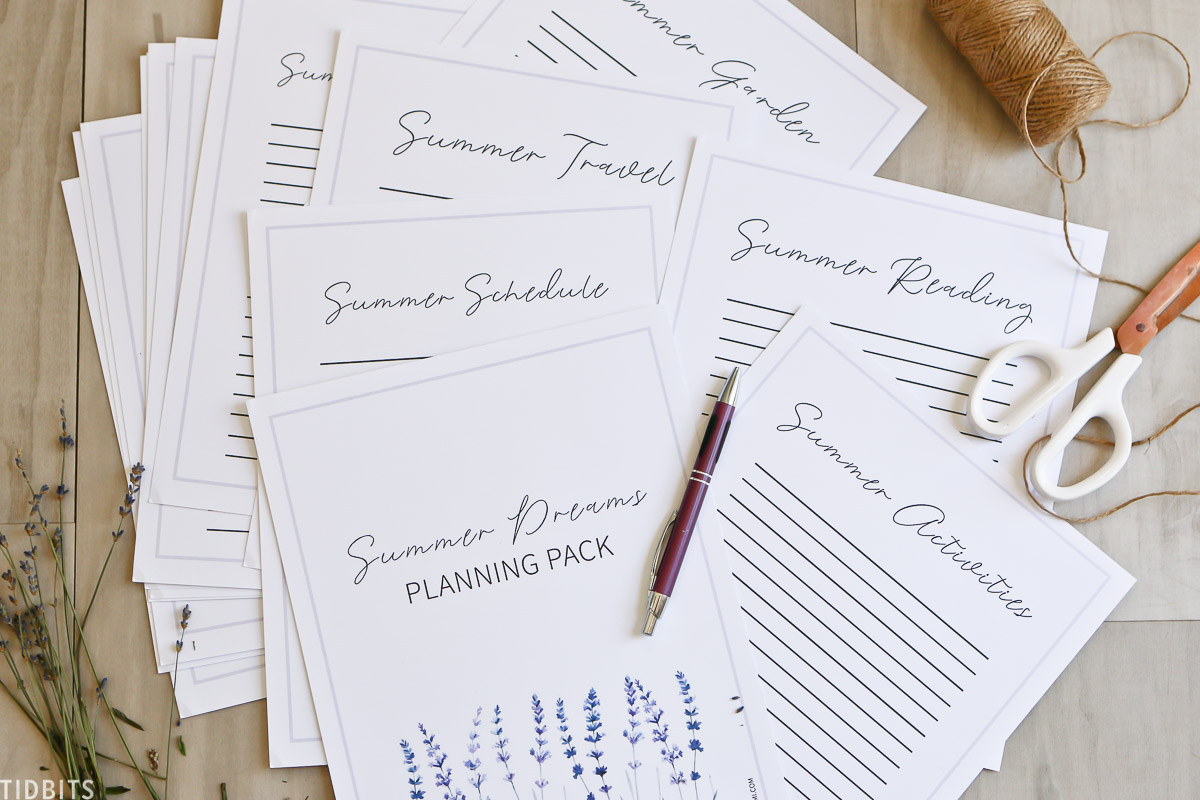 All the pages included in the printable planning pack