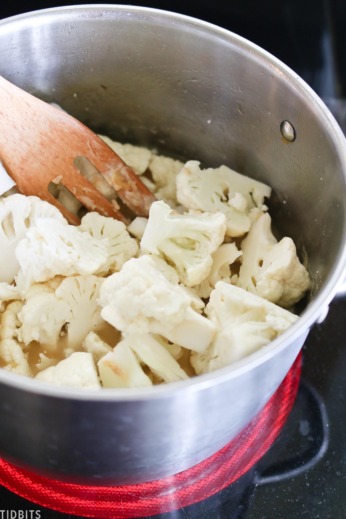 Simmer cauliflower
