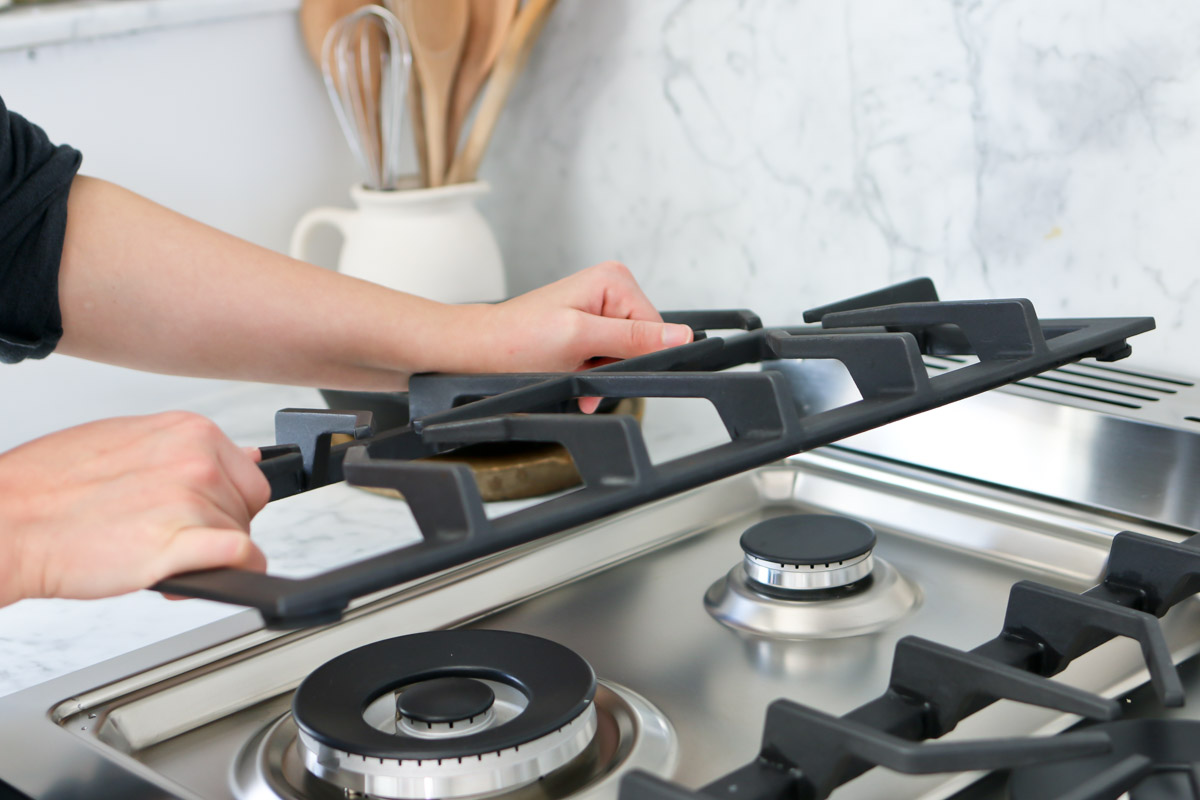 cleaning the gas cooktop
