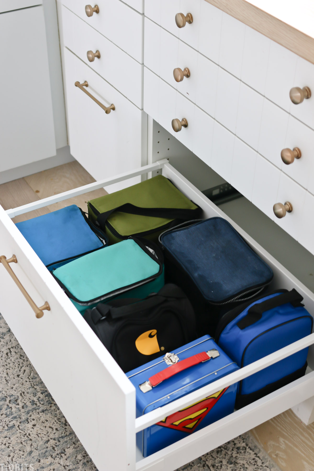 deep drawer for storing lunch boxes