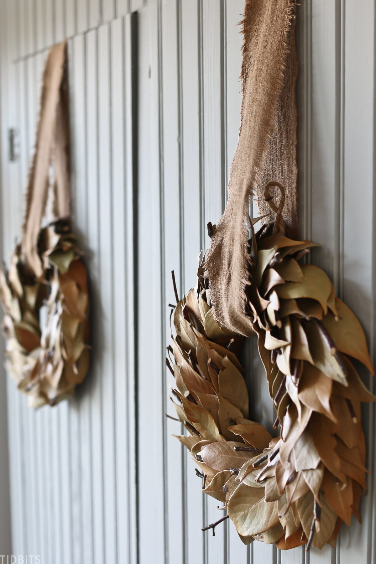 mini fall wreaths made of dried leafs