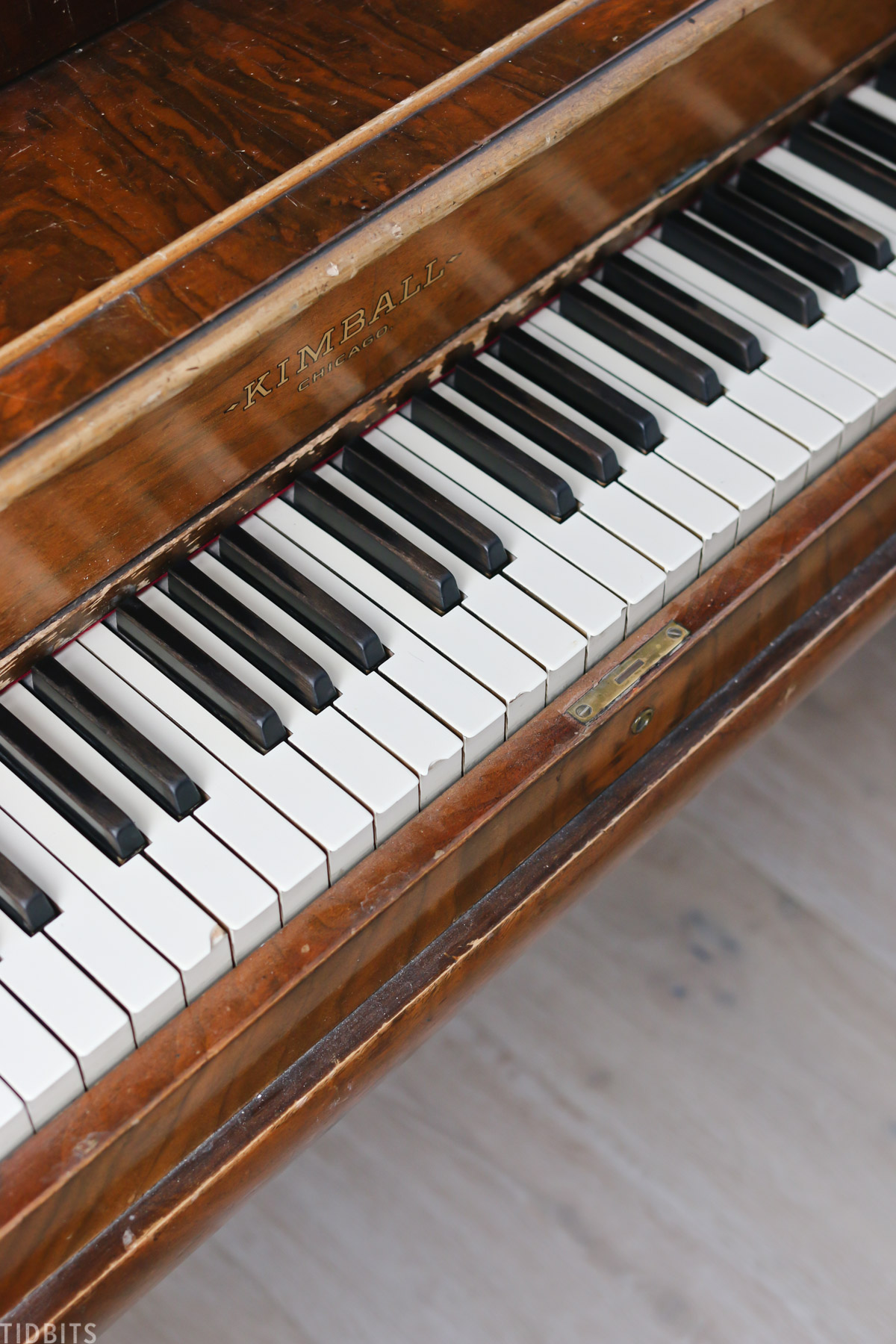 keys on an old and rustic piano